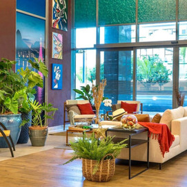 """Arquiteta Lais Piazza  apresenta o lounge """"Casa Carioca"""" com participação especial do artista plásti"""