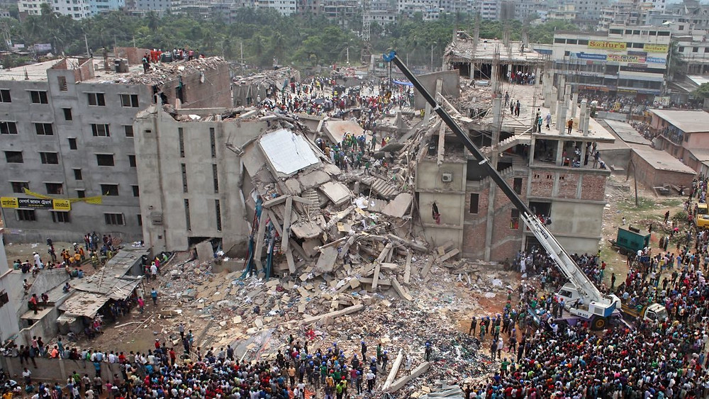 A queda do prédio RANA PLAZA. Bangladesh/2013 - Reprodução