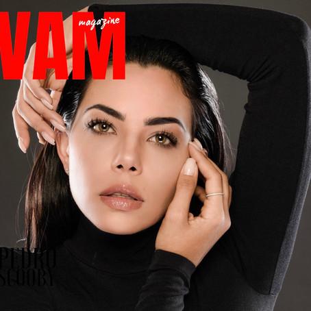 Cover / JEY - A atriz, cantora e compositora está na VAM Magazine de setembro