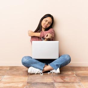 Conheça a lesão que afeta profissionais em home office