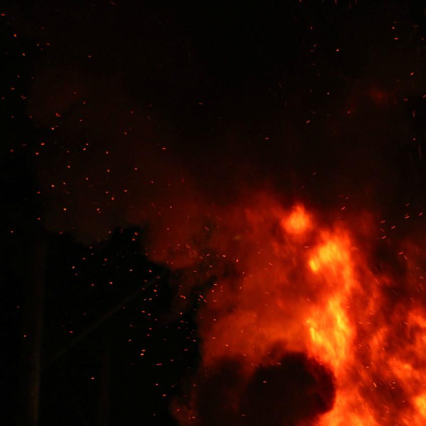 queima na fogueira