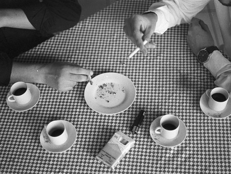 Sobre café e cigarro