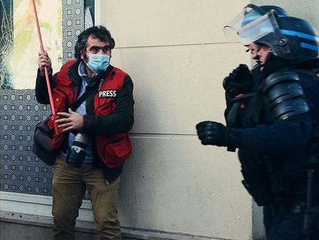 Liberdade de imprensa, existe em Paris?