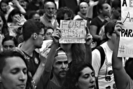 Brasil Século XXI em tempos de fascismo  & pandemia