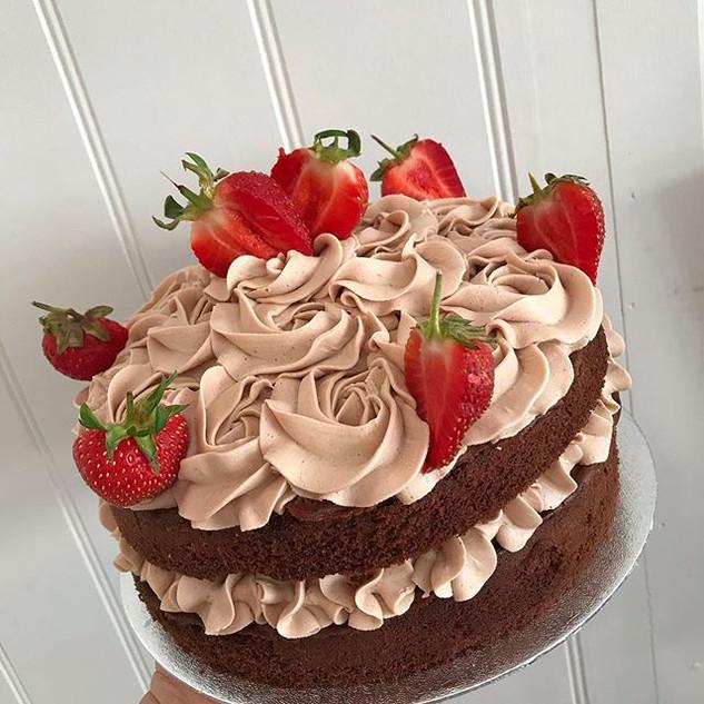 Chocolate and strawberries 😋 yum_whatsu