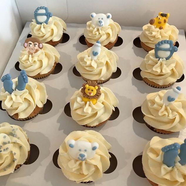 Mini baby shower cupcakes 👶🏼 yum_whats