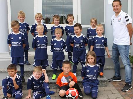 Neues Fußballoutfit für die Bambinis