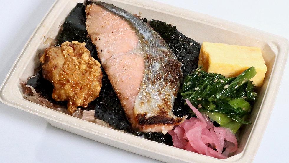 日本の海苔弁(鮭)