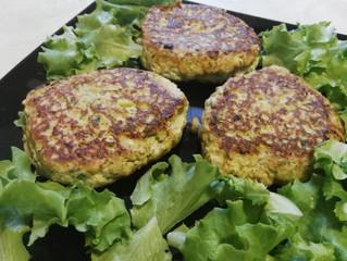 Hamburger di zucchine e salmone, senza cereali nè latticini