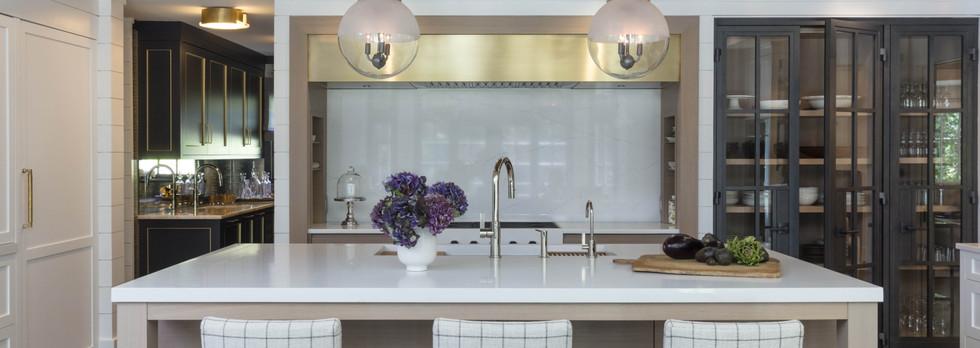 Gold-White-Kitchen-Mendham-280-2-min_edi