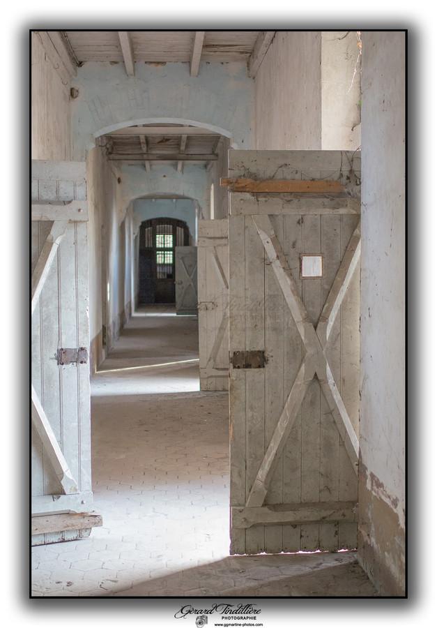 Couloir principal rez de chaussé