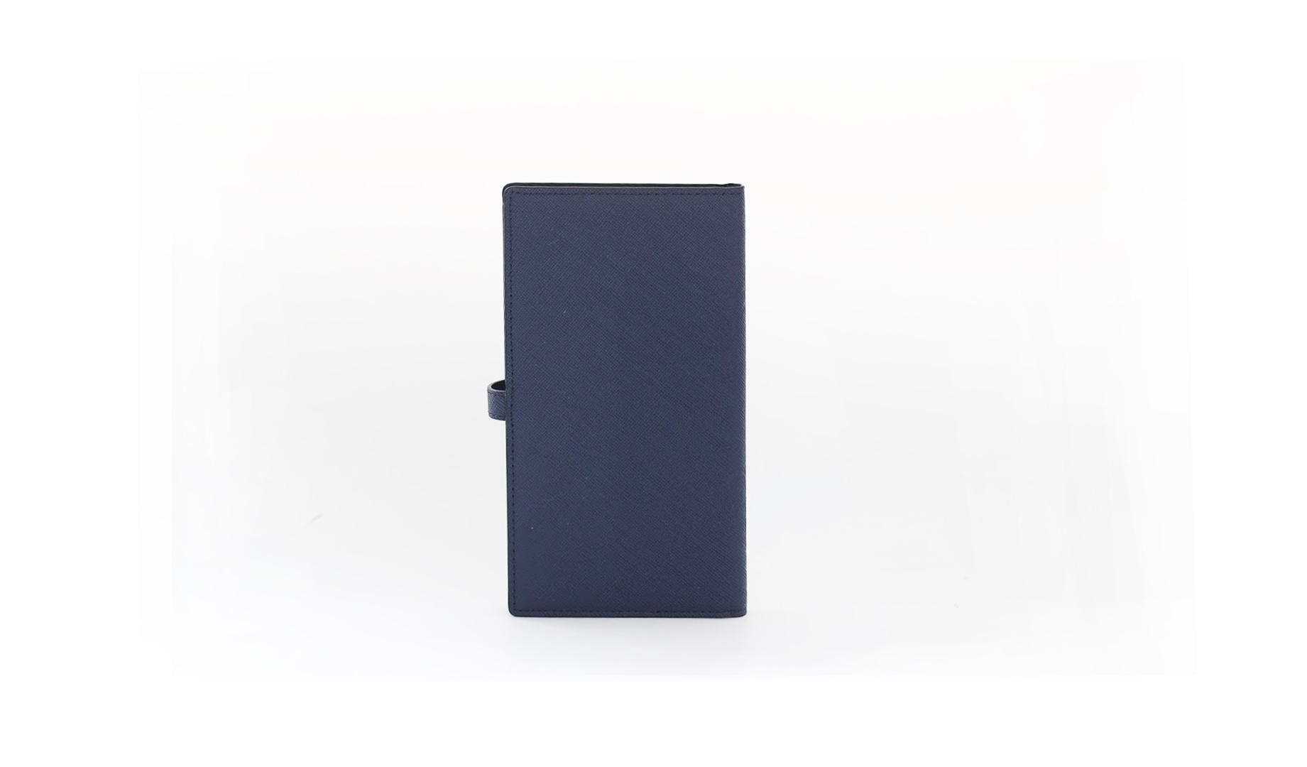 [#S9] Blue-black saffiano