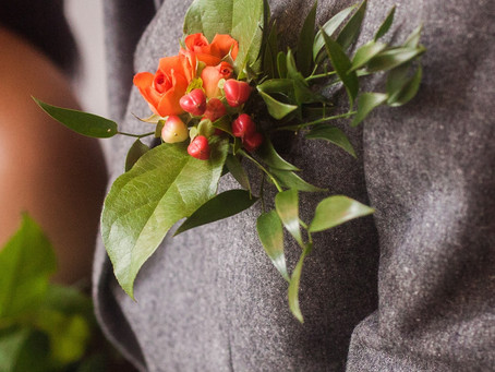 PLANNING YOUR WEDDING FLOWERS - Give Your Wedding Bouquet An Airy Feel and Interesting Texture With