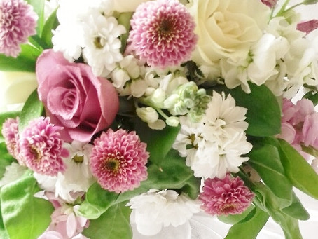 PLANNING YOUR SUMMER WEDDING FLOWERS  SMILE IT'S SCENTED STOCK SEASON!