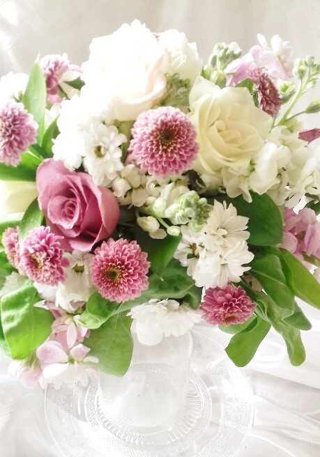 PC Creations Leeds Brides bouquet in pastel colours using lilac and white stock
