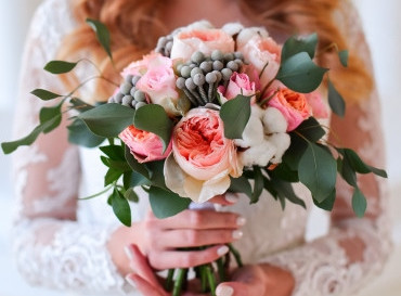 Image courtesy of Freepik, Bouquet of berries, roses, and eucalyptus