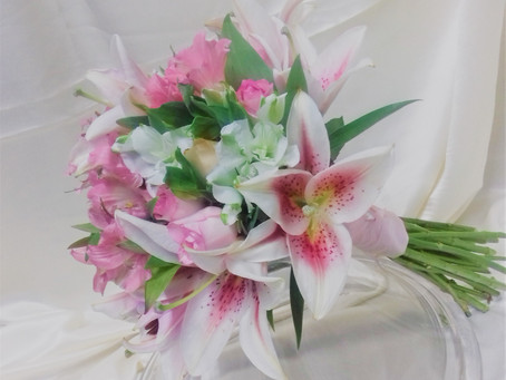 PLANNING YOUR WEDDING? 12 REASONS TO CONSIDER USING ALSTROEMERIA IN YOUR WEDDING BOUQUET