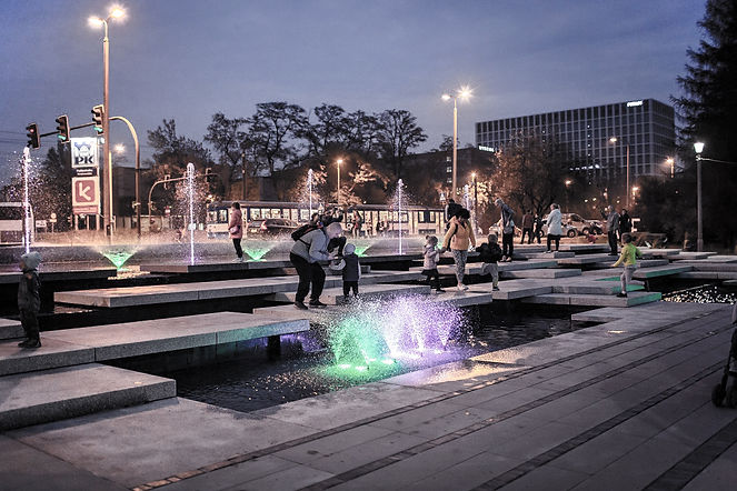 Park Lotnikow - fontanna4.jpg