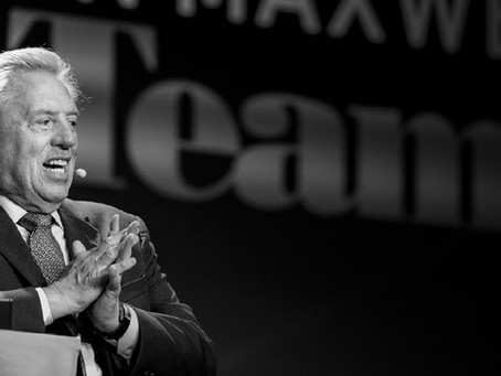 Best Public Speakers: Studying John Maxwell