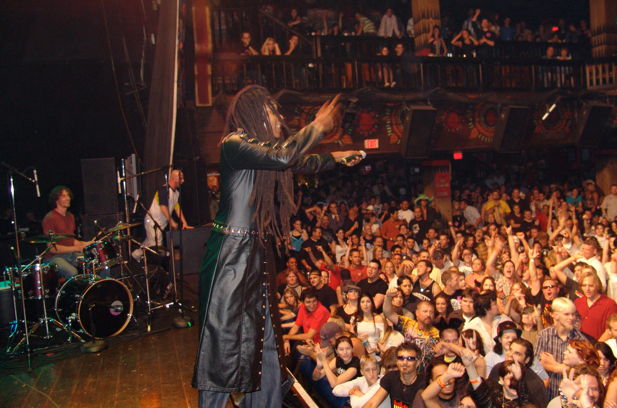 51Kēvens at the House of Blues in Orlando 3