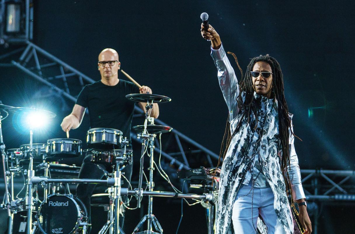 Kēvens with drummer Michael Schack