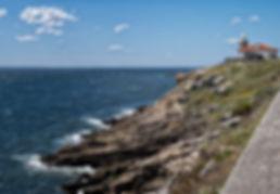 Mar, montaña, cielo y primavera se entremezclan en Monte Louro, Muros (A Coruña)