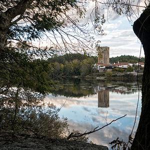 Torre de Lapela (Portugal) vista desde Porto en Salvaterra de Miño (Pontevedra) Galicia España. Un lugar precioso para fotografiar el río Miño y su entorno.