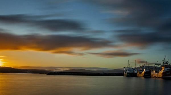 Amanecer desde el puerto de Muros (A Coruña)