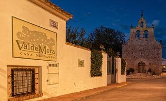 Casa de Campo Valdemora y la hora azul en Olmedilla de Alarcón...