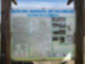 En dirección hacia Navalón, nada más pasar el puente que sortea el ferrocarril, a manoderechaparte la pista que nos conducirá hacia Las Cabezuelasy desdeallíencontraremos las indicaciones que nos llevarán por una u otra ruta: la de la Penya Roja con algo más de dificultad y que entra en eltérmino de Moixent o por la de Vallmelós que discurre por la pista. Laprimera se hace circularcon esta última.