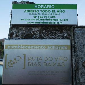 Casa Rural y Bodega María Bargiela en Salvaterra de Miño (Pontevedra) un lugar ideal para dormir y conocer estos paisajes y estos viñedos de la D.O. Rías Baixas. Photoperiplo estuvo allí, disfrutando...