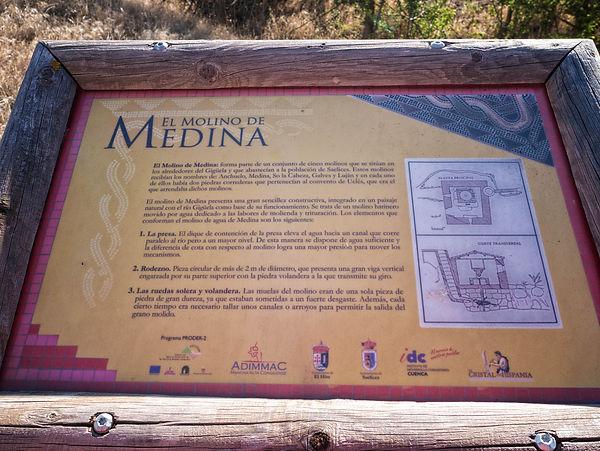 En el río Cigüela, a su paso por Saelices, Cuenca (Castilla La Mancha, España) encontraremos ya en desuso molinos y batanes. Siempre esta arqueología industrial es interesante para fotografiar, a Photoperiplo le encanta.