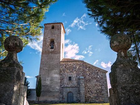 En Vega de Santa María en la provincia de Ávila (España) destaca la iglesia parroquial de Nuestra Señora de la Asunción de estilo mudéjar. Photoperiplo que nos encanta viajar para fotografiar estuvo por allí.