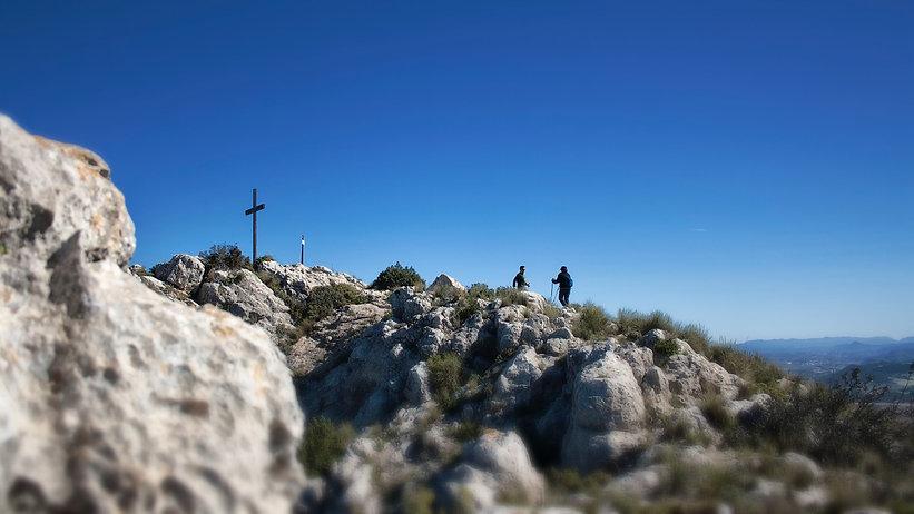 Si hay un paraje emblemático en La Font de la Figuera (Valencia) es el alto del Capurutxo con sus 901 metros de altitud y unas vistas inigualables...