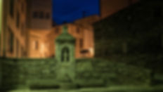 La Fuente Sagrada, A Fonsagrada, (Lugo) paso obligado del Camino Primitivo a Santiago de Compostela. Photoperiplo buscó la hora azul porque nos encanta viajar para fotografiar, nos acompañas?
