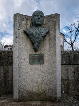 Monumento al fundador de Barreiros...