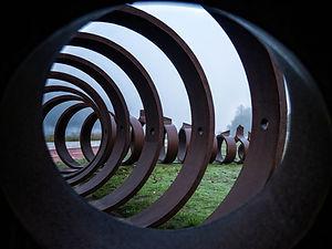 Monumento a la lampreaa orilas del río Miño en Salvaterra (Pontevedra) Galicia. Imágenes de Photoperiplo.