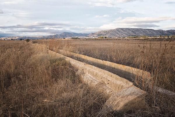Viejos canales que llevaban el agua desde Villena (Alicante) a Elda, Novelda, Alicante y Elche. Fotos de Photoperiplo, nos acompañas?