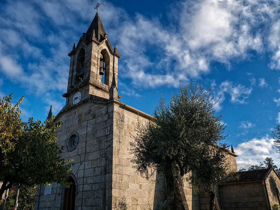 Iglesia de San Paio en Alxén parroquia de Salvaterra de Miño (Pontevedra) Galicia. Photoperiplo, viajar y fotografiar estuvo allí, nos acompañas.