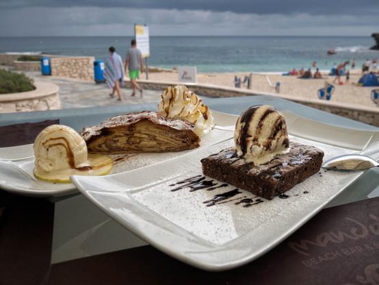 Mandala Beach, a pie de playa en La Fustera, para unas merecidas cañas, buen yantar, buen ambiente... hay que reponer fuerzas!!!