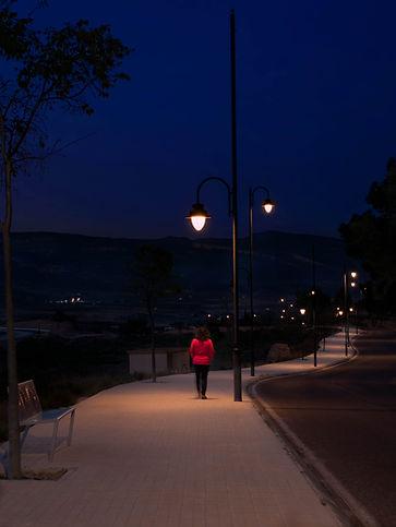 La hora azul en la Font de la Figuera, esa hora mágica que contrasta las luces frías y calidas antes de la noche...
