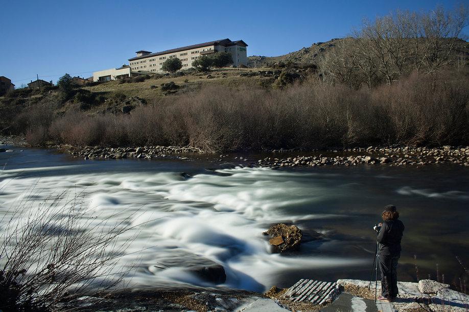 Fotografía de larga exposición diurna con filtros del Río Tormes a su paso por El Barco de Ávila