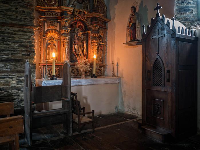 Interior de la Iglesia de San Salvador en Negueira de Muñiz...