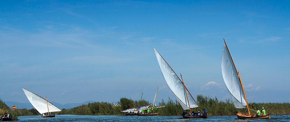 La llegada a la meta de esta regata celebrada enla Albufera de Valencia, Photoperiplo estuvo allí fotografiando lo acontecido en compañia de la Federación Levantina de Fotografía.