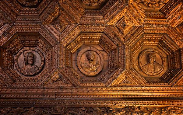 Imponente artesonado el del refectorio del Monasterio de Uclés (Cuenca) hecho con pino melis. Photoperiplo estuvo allí fotografiándolo ...