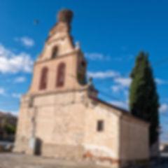 Ermita en Vega de Santa María (Ávila) de la que destaca su espadaña con el nido de cigüeñas y sus reminiscencias mudéjares. Photoperiplo estuvo allí haciendo unas fotos porque nos encanta viajar para fotografiar, nos acompañas?