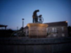 Monumento al afilador en Nogueira de Ramuín (Orense, Galicia, España). Imagen de www.photoperiplo.com