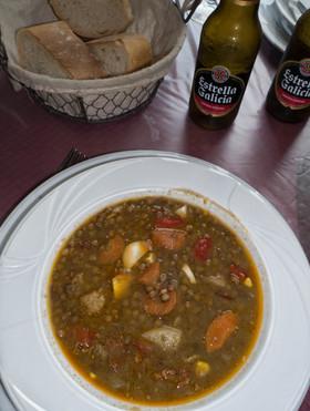 Comida de cuchara, con productos de la tierra, sencillez = exquisitez en Negueira de Muñiz (Lugo) Galicia