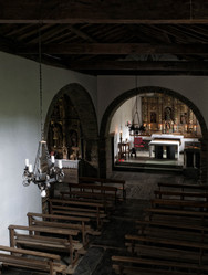 Interior de la Iglesia de San Salvador en Negueira de Muñiz