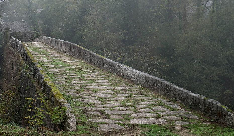 Puente de Fillaboa sobre el río Tea poco antes de su desembocadura en el Miño cerca de Salvaterra de Miño (Pontevedra) Galicia. Fotografiado por Photoperiplo.